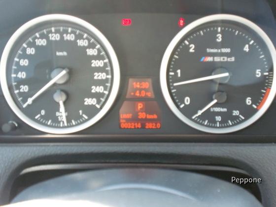 BMWX6M50d 006