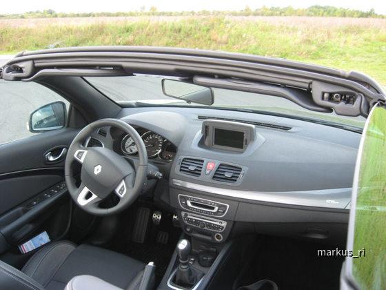 Renault Megane CC - Avis LEJ - Cockpit