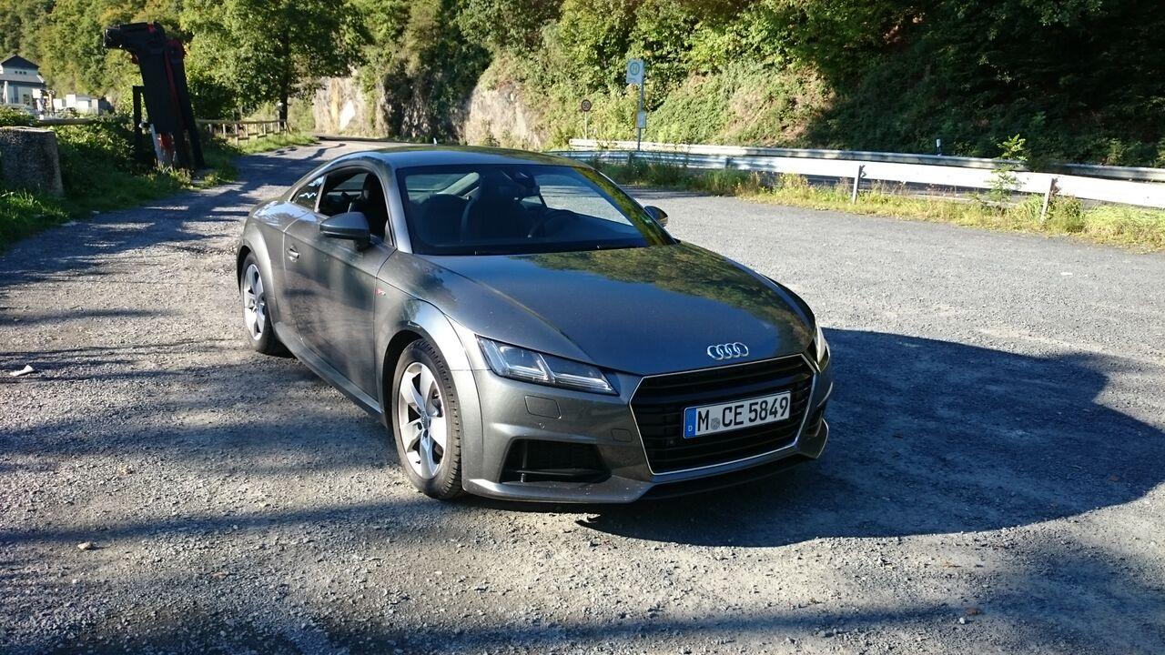 Audi TT   Sixt Siegburg