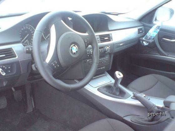 BMW 320d Touring Hertz Hamburg HBF