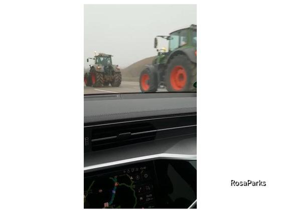 Traktoren auf dem Weg zur Demo in Berlin 25.11.19