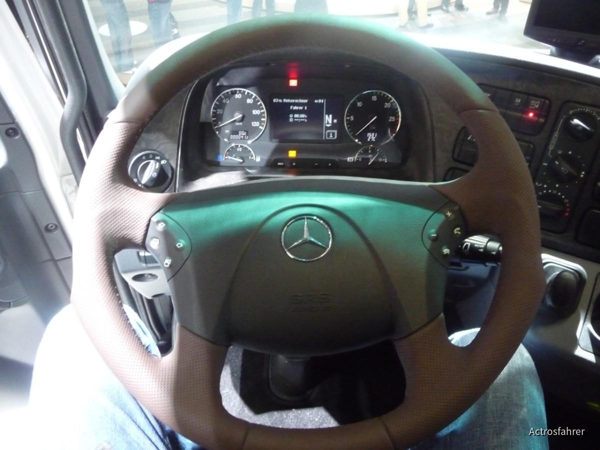 Mercedes-Benz Actros 1846 LS White Liner