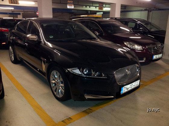 Jaguar_XF_Normal_Front