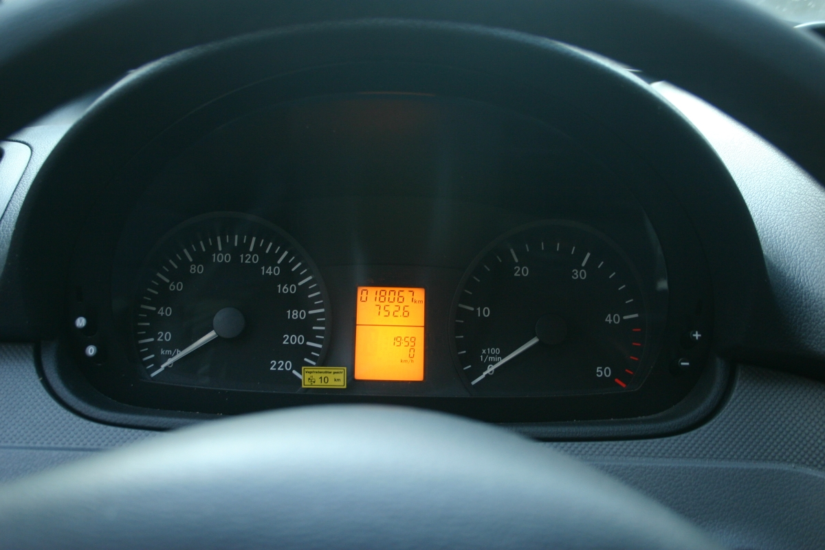 Vito 111 CDI 9 Sitzer   Europcar