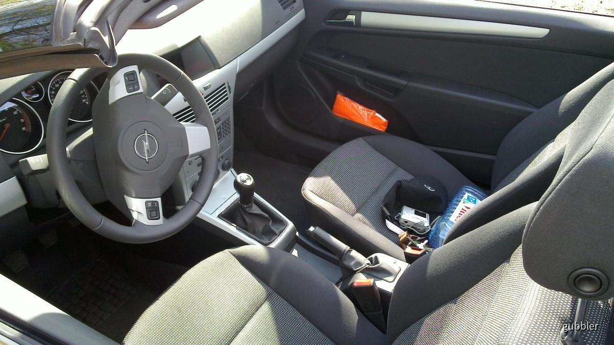 Opel Astra TwinTop 1.6   Sixt Wiesbaden