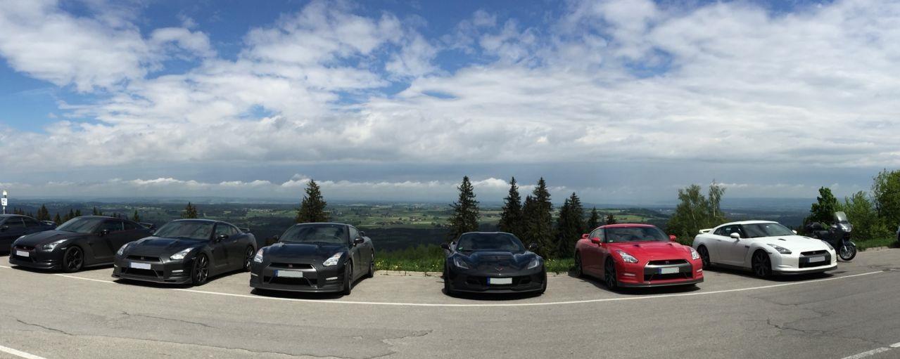 Nissan GTR & Corvette C7 Z06