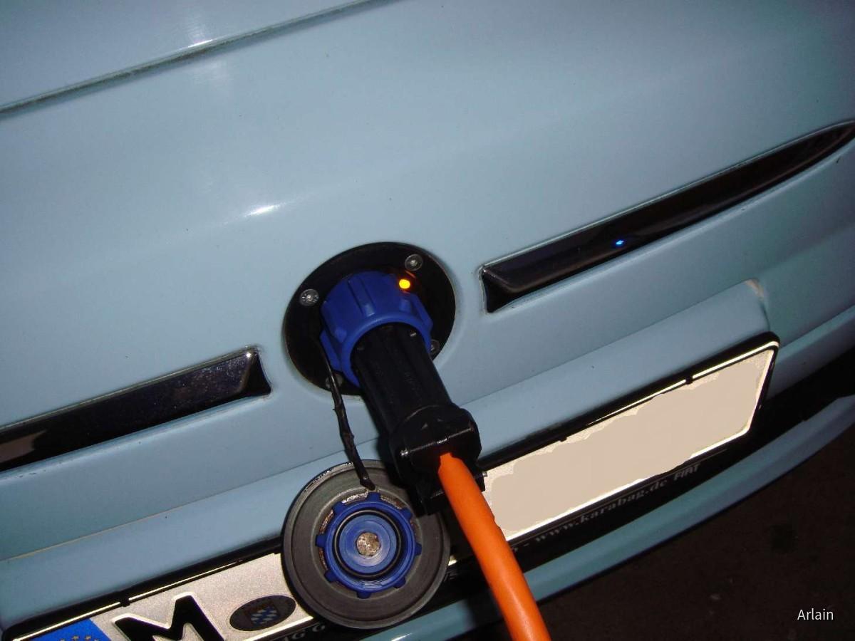 Fiat 500 E Karabag   Sixt Hamburg & RWE