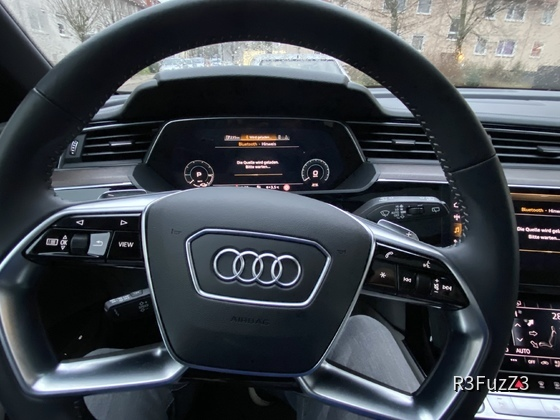 Audi e-tron Advanced 55