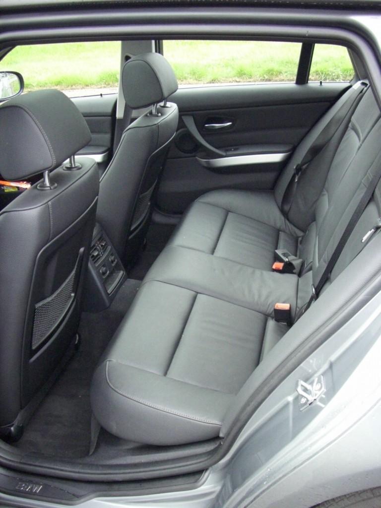 BMW 320d Touring - Sixt Bremen-Habenhausen