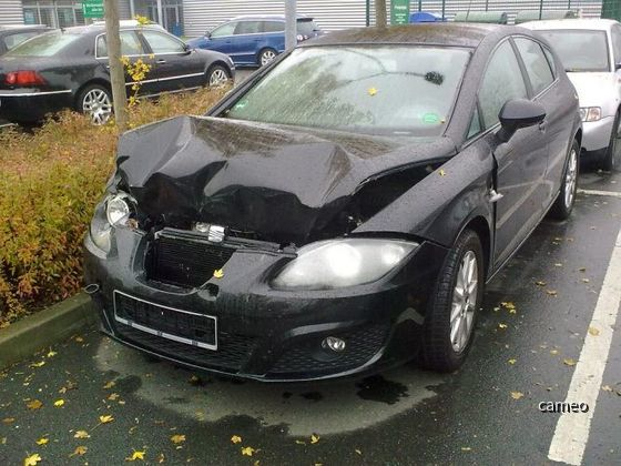 Seat Leon Europcar Frontschaden