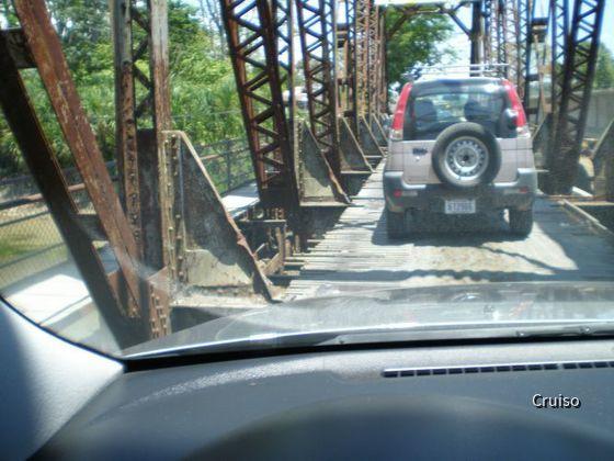 Gute Brücke in Costa Rica samt Mietwagen :)