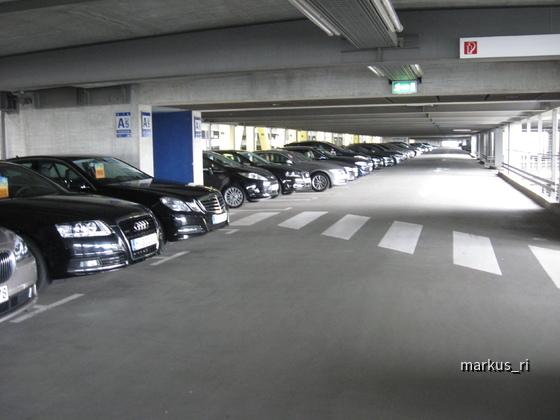 Sixt und Hertz, LEJ - Flughafen Leipzig 11.06.