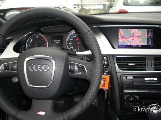 Audi A4 Avant TDI S-line SIXT