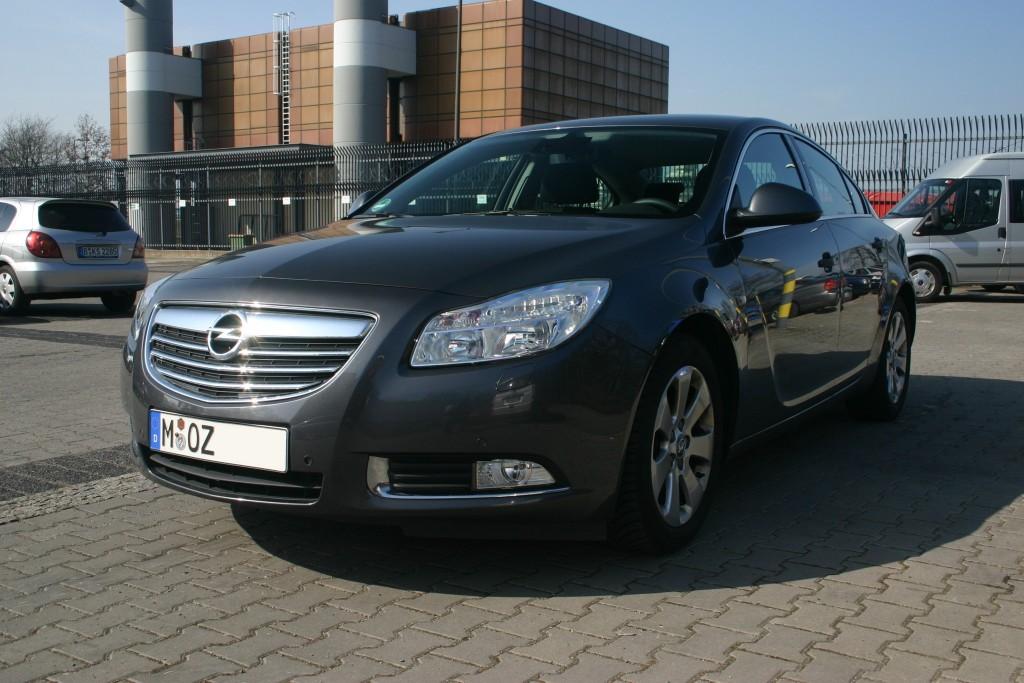 Opel Insignia 1.8   Sixt Berlin Tegel