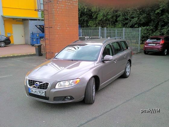 V70 D5 2.4D, 151 kW, 420 Nm, 225 km/h, 8.2s 0-100, 6-Gang, Erstzulassung 9.5.