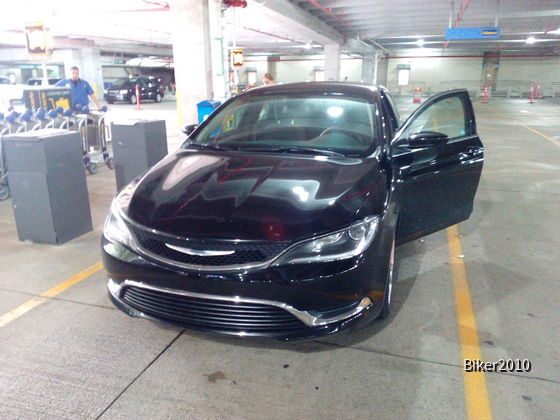 ALAMO MIAMI INTL AIRPORT - Chrysler 200 AT :-)