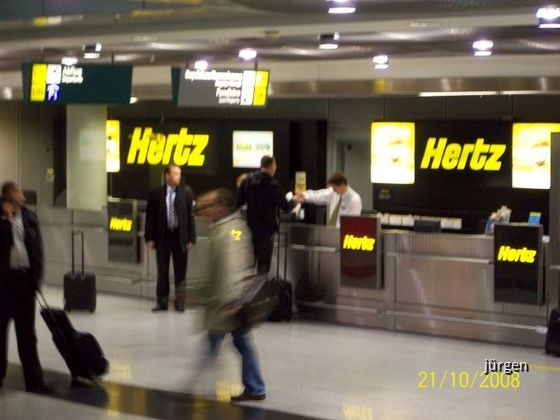 Hertz Airport Düsseldorf (Flughafen DUS)
