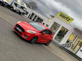 Ford Focus ST Line bei Hertz in Düsseldorf (Hilden)