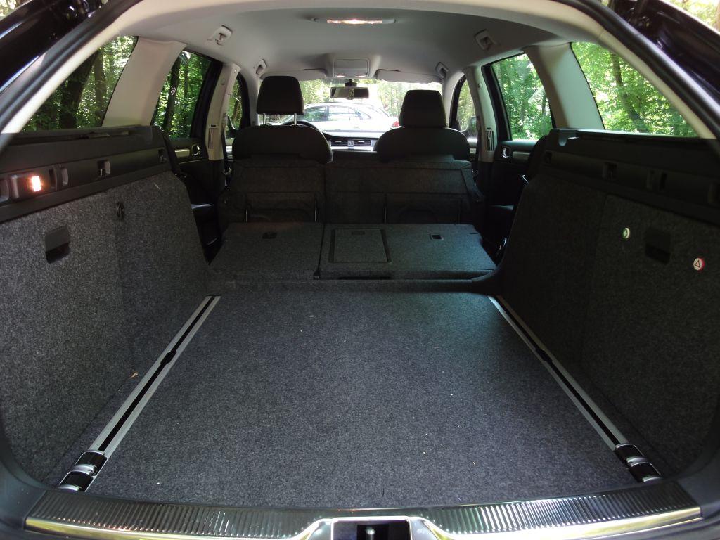Skoda Superb Combi 1.4 TSI   Europcar