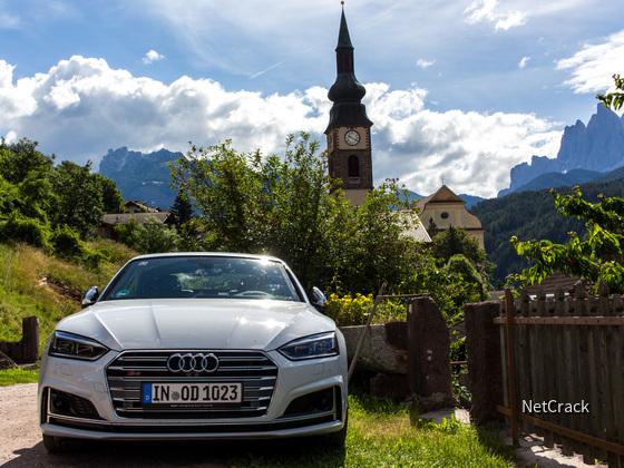 Audi S5 im Villnösstal