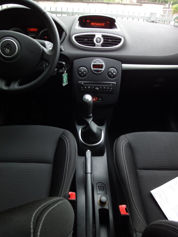 Renault Clio Grandtour   Europcar