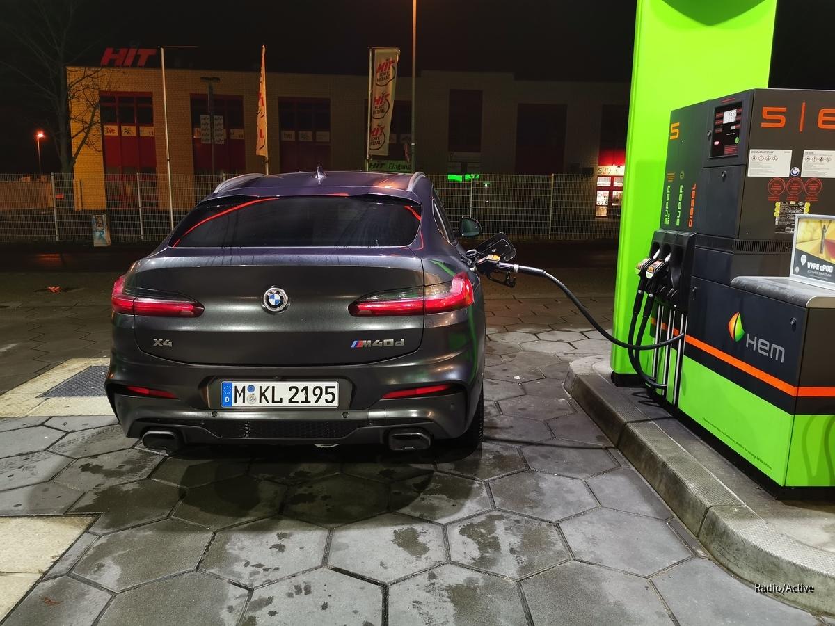 BMW X4 M40d | Sixt Bonn-Bad Godesberg
