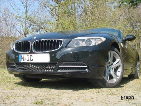 BMW_Z4_23i_vorne_rechts
