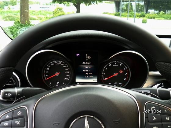 Mercedes Benz C180 Limousine | Sixt Detmold