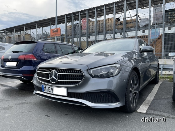 Mercedes Benz E200 LIM