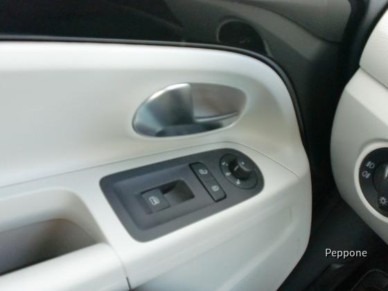 VW UP 008