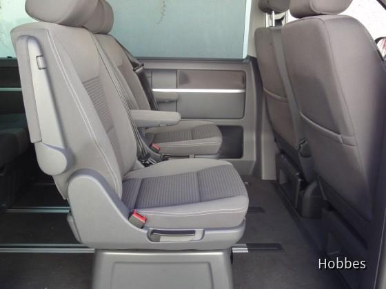 VW Multivan 2.0 TDI | Europcar