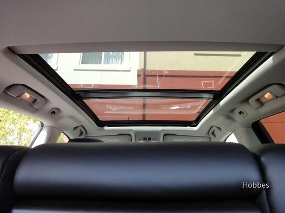 Cadillac SRX 4   Hertz