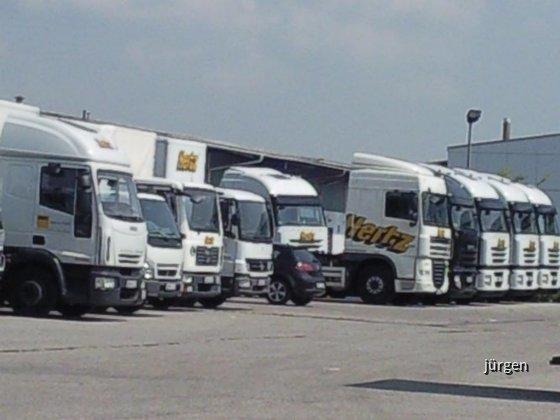 Hertz Trucks