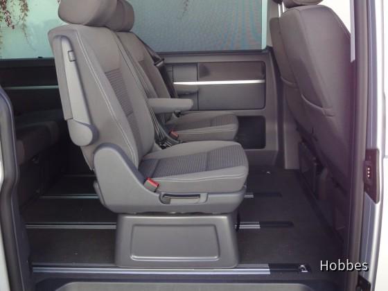 VW Multivan 2.0 TDI   Europcar
