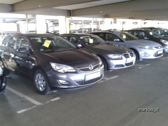 Opel Astra Sports Tourer, BMW 318i Touring @ Hertz LEJ 05.11.