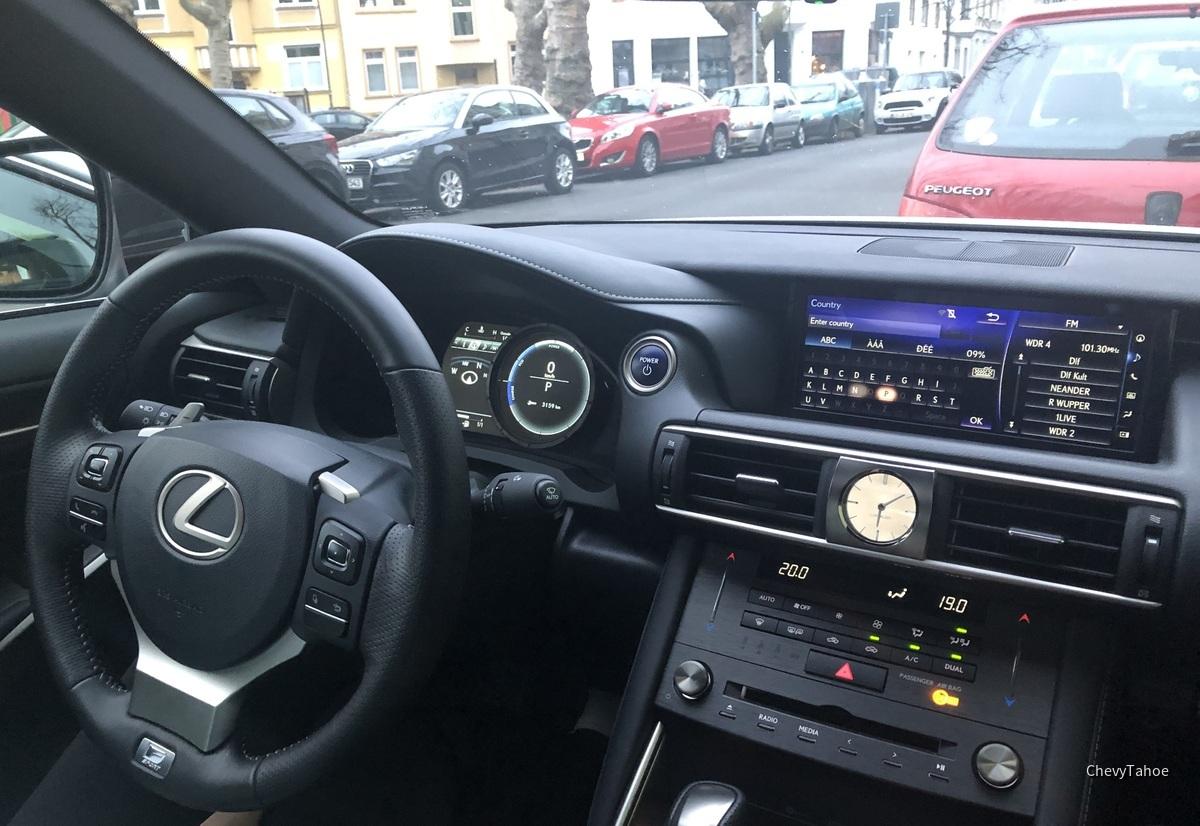 Lexus IS300h F-Sport