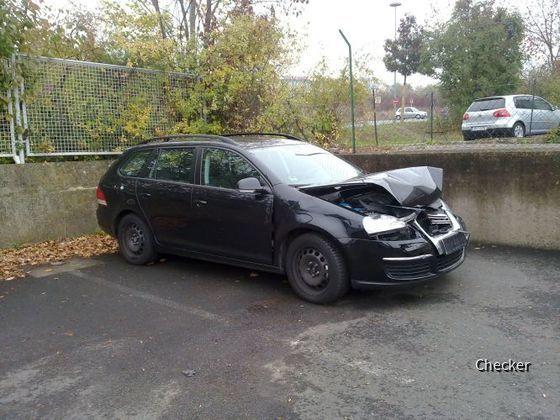 VW unter einem LKW?!