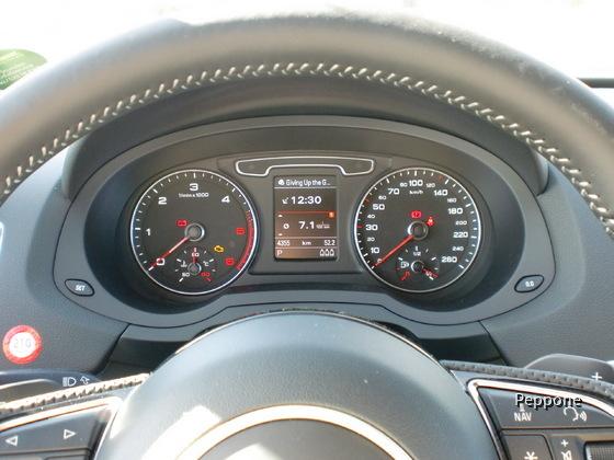 Audi Q 3 2.0 TDI Quattro 001