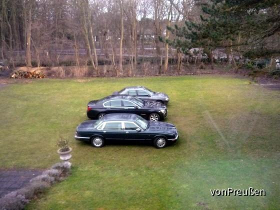 BMW 730d vs Daimler