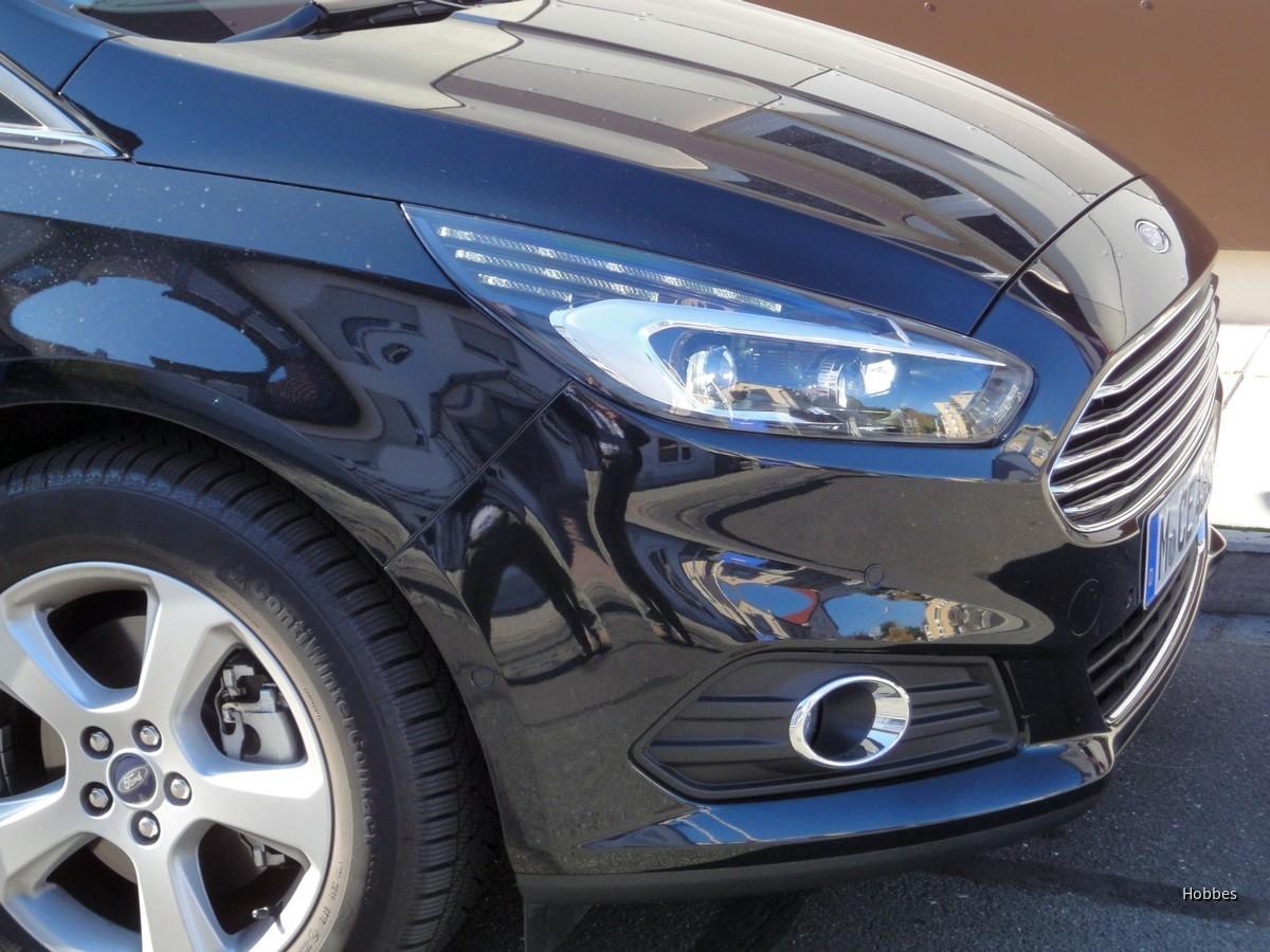 Ford S-Max 2.0 TDCI | Sixt Nürnberg Flughafen