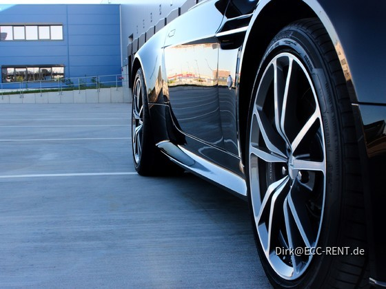 Aston Martin V8 Vantage S Roadster von ECC-RENT.de